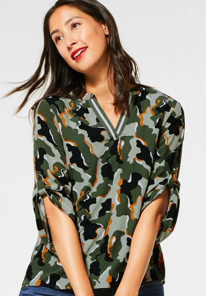 Street One - Bluse mit Camouflage in Shady Olive