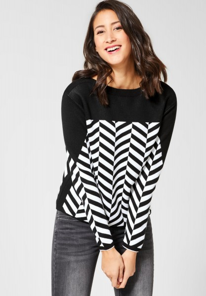 Street One - Pullover mit Fischgrätmuster in Black