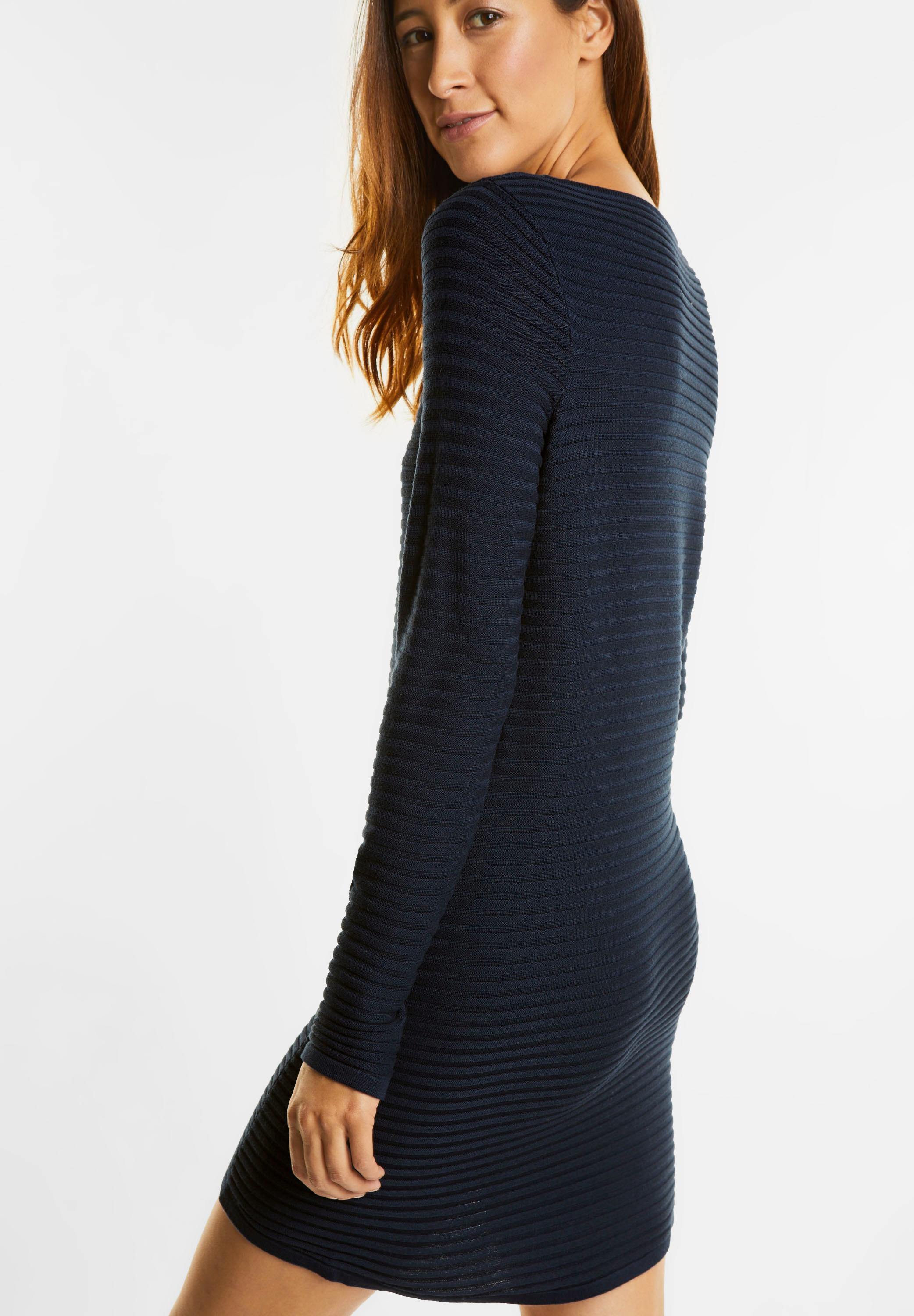 new products 78693 2d835 Street One - Geripptes Pullover Kleid in Night Blue